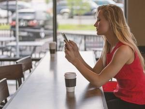 Пять причин не клеить защитное стекло на экран своего смартфона