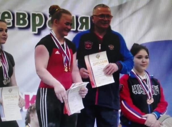 Две медали завоевали нижегородки на чемпионате ПФО по тяжелой атлетике - фото 1