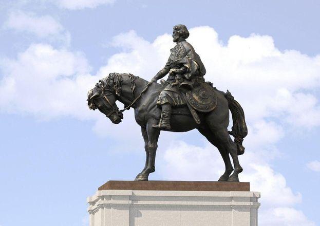 Стало известно, как будет выглядеть памятник Александру Невскому на Стрелке - фото 1