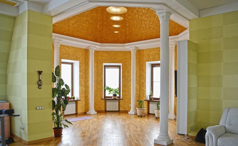 В Нижнем Новгороде за 79 млн рублей продается дом с кальянной и хамамом  - фото 1