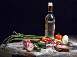 Какими продуктами нельзя закусывать алкоголь в новогоднюю ночь