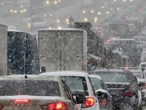 Выпавший накануне снег мог привести к образованию 8-балльных пробок в Нижнем Новгороде