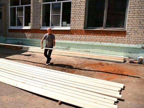 Ремонт в школах и детсадах Дзержинска оценил глава города - фото 3
