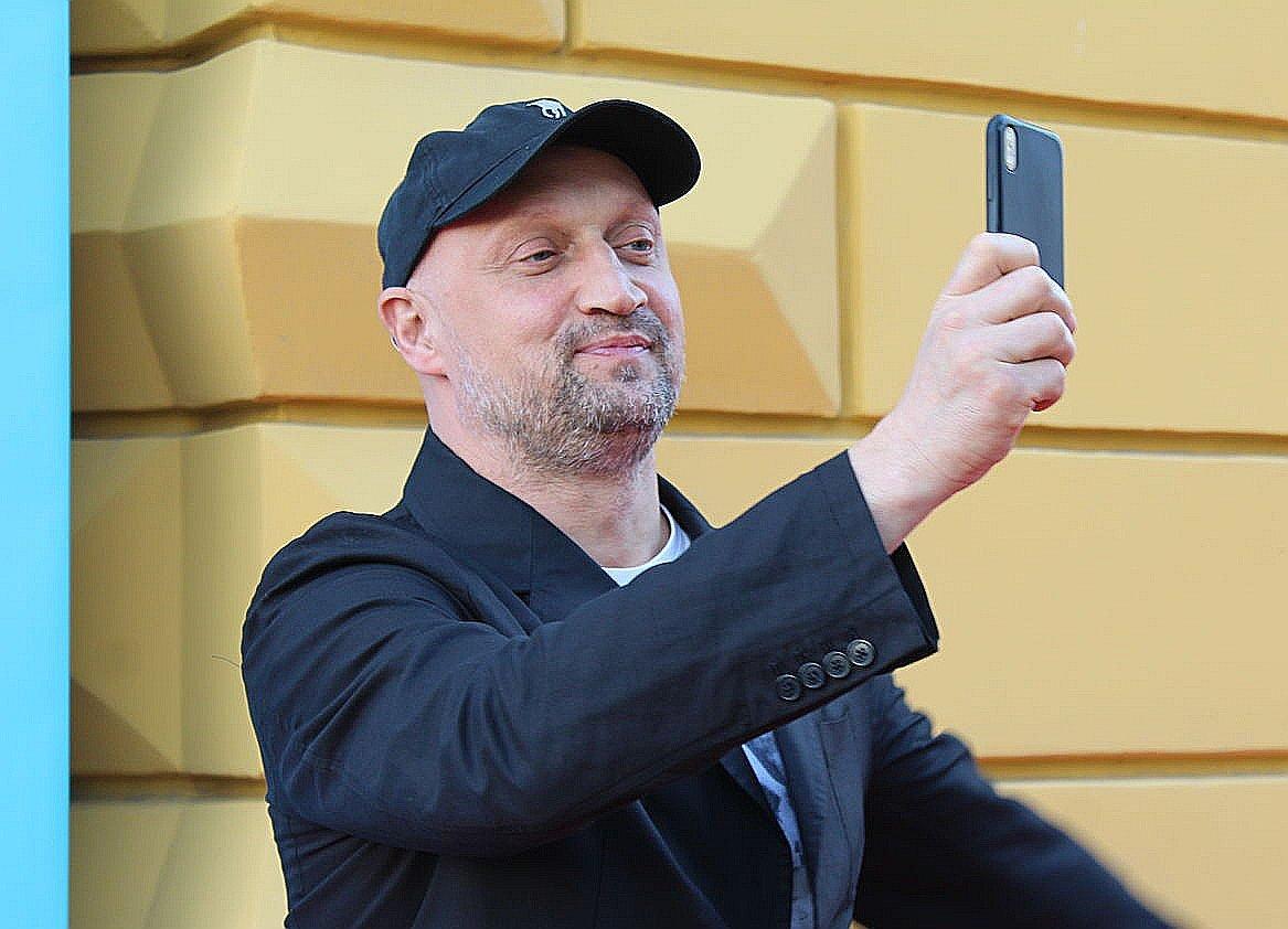 Автографы от звезд и награждение победителей: в Нижнем Новгороде завершился «Горький fest» - фото 11