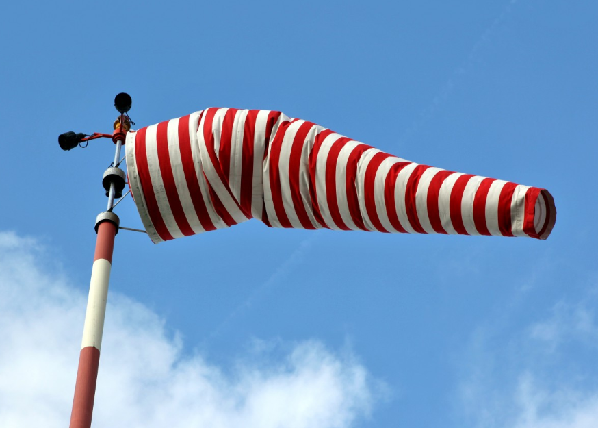 Скорость ветра в Нижегородской области в ближайшие 3 часа поднимется до 21 м/с - фото 1