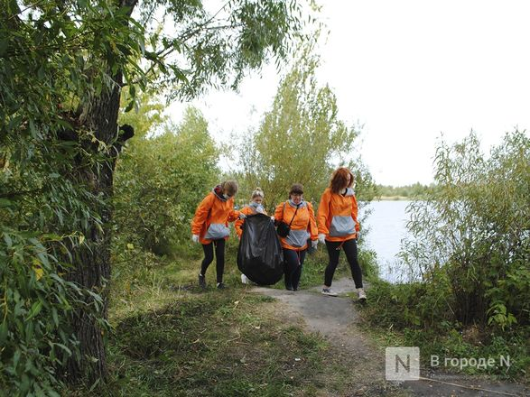 Волонтеры очистили берега Пермяковского озера в рамках акции компании En+ Group - фото 6