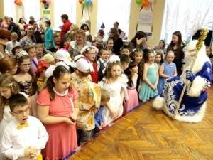 Более 60 слабовидящих детей стали участниками интерактивного новогоднего представления