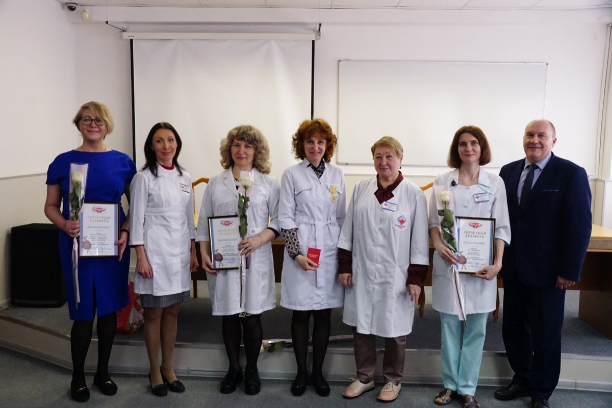 Нижегородских медработников наградили за вклад в борьбу с COVID-19 - фото 1
