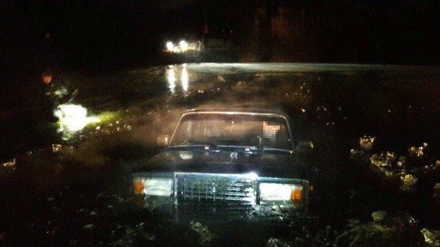 Автомобиль с телом мужчины внутри извлекли из пруда в Автозаводском районе - фото 1