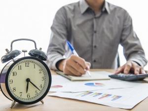 Должен ли работодатель доплачивать за ненормированный рабочий день?