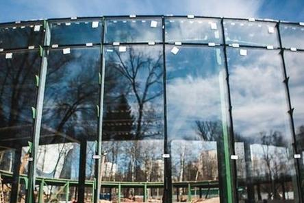 Установка витражей началась на павильонах в нижегородском парке «Швейцария»