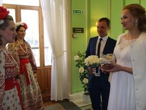 Более 200 свадеб сыграли в Нижегородской области на пасхальной неделе
