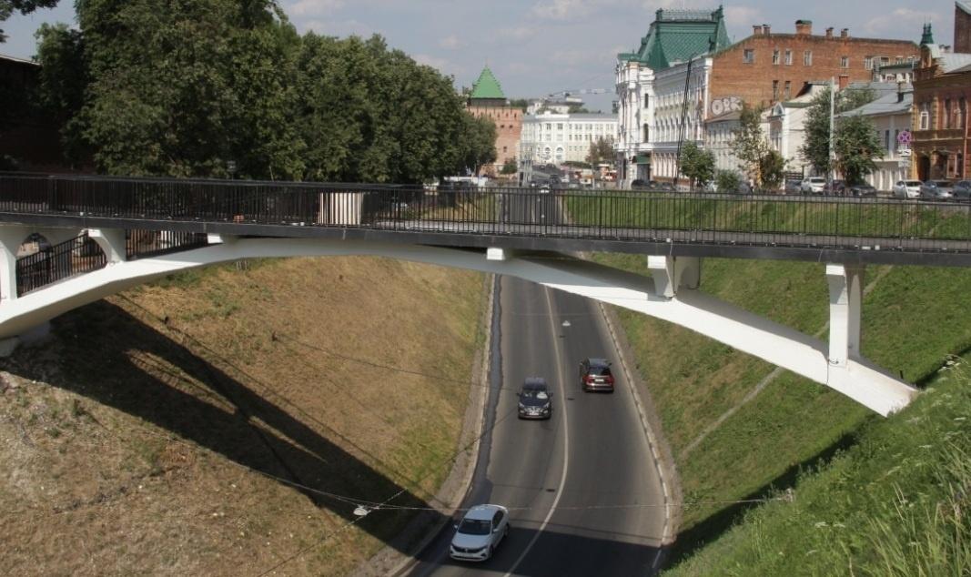 Архитектурная подсветка установлена на отремонтированном мосту через Зеленский съезд - фото 1