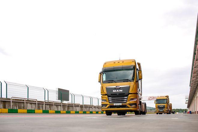 Немецкий лев в России: нижегородцам показали новые грузовики MAN - фото 5