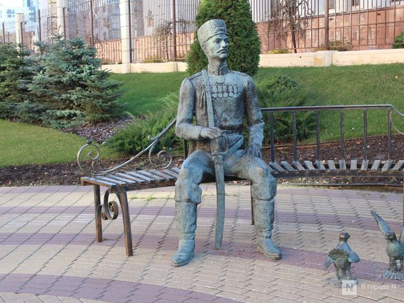 Труд в бронзе и чугуне: представителей каких профессий увековечили в Нижнем Новгороде - фото 19